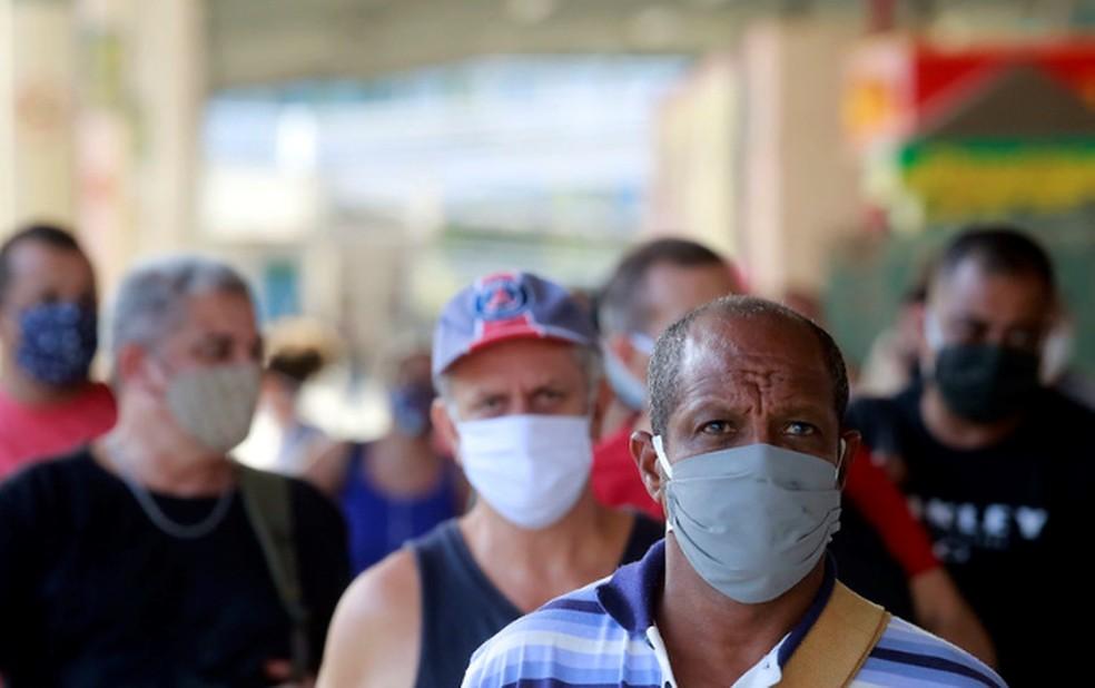 Bolsonaro veta uso de máscara em locais públicos em plena pandemia