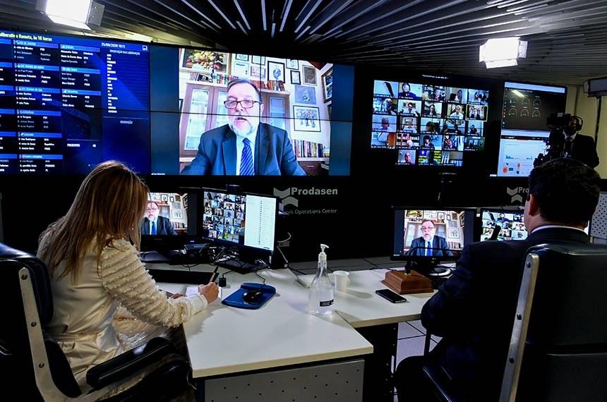 Foi notícia no Brasil e no mundo durante a semana, senado aprova Fundeb
